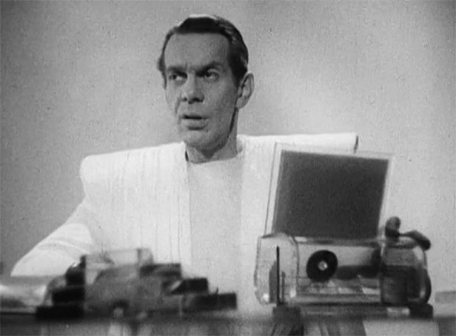 Raymond Massey in HG Wells' s Things To Come.